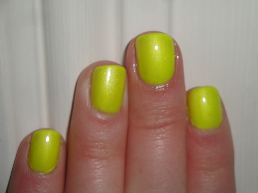 Barry M Neon Yellow - Imagination In Colour