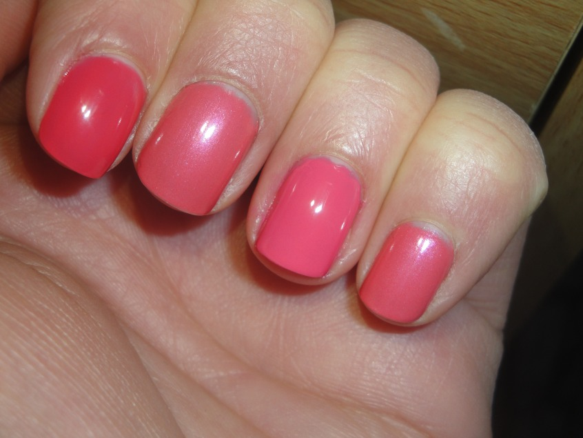 Boots 17 Spring Petal Spring Collection 2012 nail polish Lasting Fix pink shimmer rose UK Comparison Barry M Pink Flamingo Boots 17 Pink Grapefruit Summer pink nail
