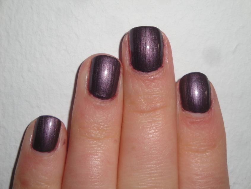 Barry M Magnetic Violet lined purple magenta pink red velvet coontails coon tails 3D spring release dark autumn summer striped nail art UK not magnetised unmagnetised