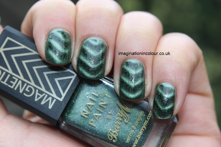 Barry M Cosmic Glow Magnetic Green Sparkle nail paint polish chevron pattern magnet khaki multicoloured holographic micro glitter dark metallic shimmer planet nails nail art UK