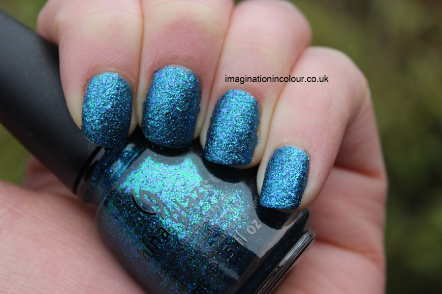 China Glaze Water-You Waiting For water you what are blue purple aqua glitter multi cirque du soleil collection UK nail polish blog review swatch swatches turquoise ocean