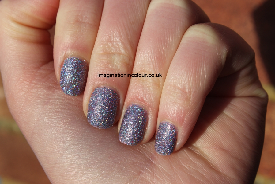 Models Own Southern Lights purple lilac scattered holo holographic glitter multicoloured sparkle juicy jules northern wonderland collection topcoat winter 2012 review blog UK nail polish swatch (4)