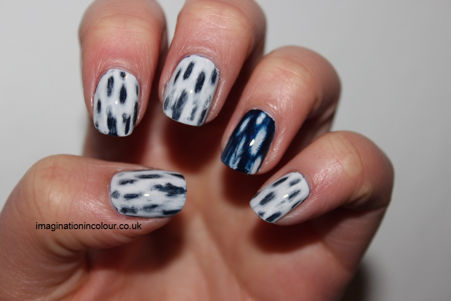 Distressed effect nail art moneysupermarket black and blue faded acetone patchy nails uk nail blog tutorial (4)
