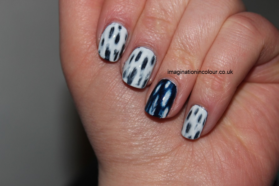 Distressed effect nail art moneysupermarket black and blue faded acetone patchy nails uk nail blog tutorial (5)