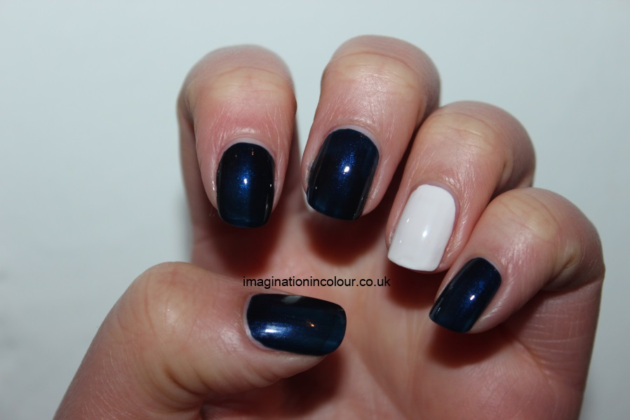 Distressed effect nail art moneysupermarket black and blue faded acetone patchy nails uk nail blog tutorial