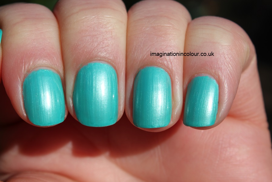 Rimmel Pear Drop lasting finish mint frost shimmer bright spring green review swatch swatches uk nail polish blog