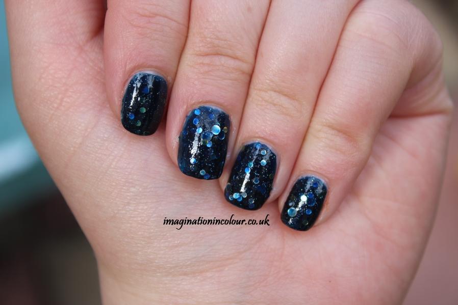 Navy Blue And Yellow Nail Art: Nautical navy blue and pink nail ...