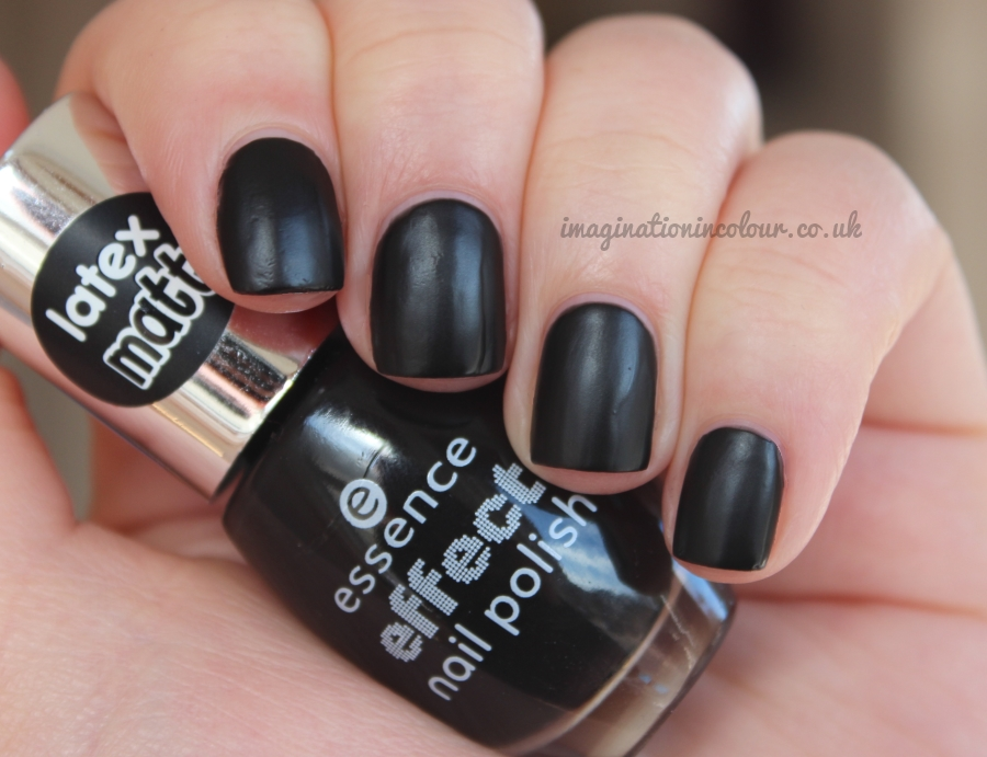Essence Latex Matt Effect The Black Cat